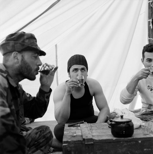 palmyra-soldiers-tea-citadel-light